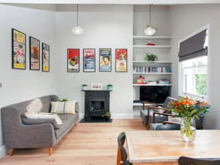 Spacious 2 bed apartment in Notting Hill - London vacation rentals