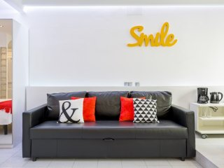7rooms7 Gran Vía Smile - Madrid vacation rentals