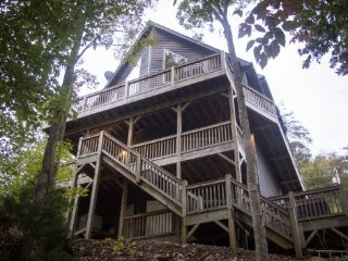 8 bedroom House with Hot Tub in Speedwell - Speedwell vacation rentals