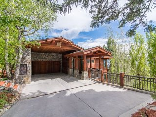 Luxury Tahoe Home with Dollar Point HOA Amenities Included 8bd/6ba - Tahoe City vacation rentals
