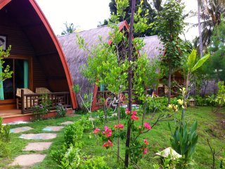 Romantic 1 bedroom Gili Trawangan Bungalow with Balcony - Gili Trawangan vacation rentals