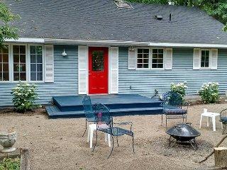 Beautifully Renovated 'Pinebrook Cottage' 2BR 1BA - New Buffalo vacation rentals