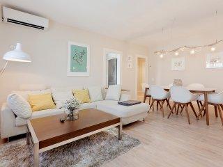 Sleep & Stay Rustic Deco in Girona - Girona vacation rentals