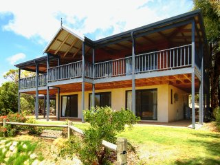 Bright 5 bedroom House in Cape Naturaliste - Cape Naturaliste vacation rentals