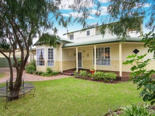 Bright 4 bedroom House in Busselton - Busselton vacation rentals