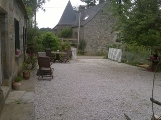 3b/r farmhouse nr Guerledan lake. Enclosed garden - Cleguerec vacation rentals