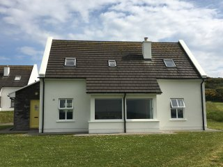 Bright 3 bedroom House in Doolin with Internet Access - Doolin vacation rentals