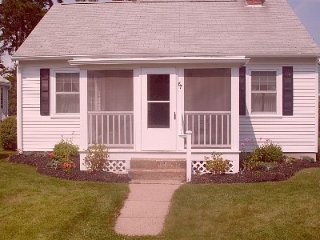 Quaint Cottage 2 minute walk to Footbridge Beach - Ogunquit vacation rentals