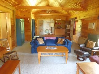 Cozy House with Central Heating and DVD Player - Kokadjo vacation rentals