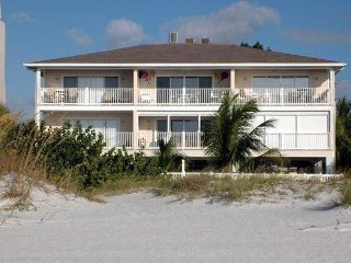 Exceptional Gulf-Front Condo, Upper-Corner 6 Units - Indian Rocks Beach vacation rentals