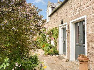 COORIE DOON, open fire, ground floor bedroom, Nairn, Ref 934120 - Nairn vacation rentals