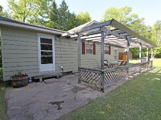 Chipmunk Grove cottage (#1081) - Sauble Beach vacation rentals