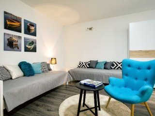 Gorgeous 130m2 & 3 Bedroom Apt., Zadar Old Town - Zadar vacation rentals