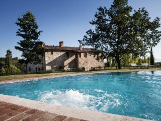 Bright 7 bedroom House in Montepulciano with Private Outdoor Pool - Montepulciano vacation rentals