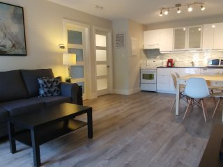 Unique & Modern Vacations - Essence Suites Lodging - Collingwood vacation rentals