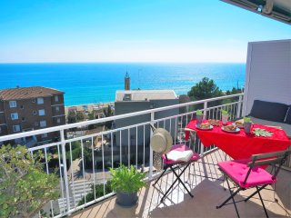 NURIA SEAVIEW & BEACH-apartment - Barcelona vacation rentals