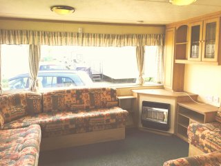 lovely 2 bed 6 berth with en-suite to rent - Withernsea vacation rentals