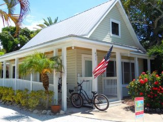 Island Place Cottage: 1BR Pet-Friendly Cottage - Anna Maria vacation rentals