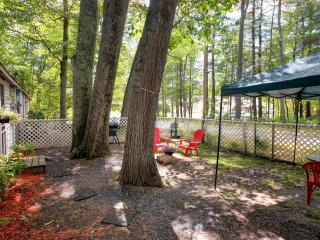 New Listing! Cute 1BR Gilford Cottage w/Wifi, Fire Pit & Fantastic Scenery - Near Many Amazing Shops, Restaurants & Outdoor Attractions! - Gilford vacation rentals