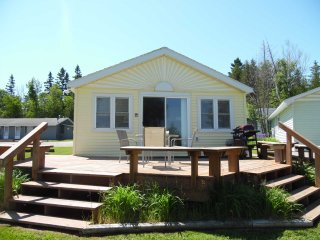 Adorable 2 bedroom House in Presque Isle with Deck - Presque Isle vacation rentals