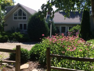 Beautiful 3 bedroom Sturgeon Bay House with Internet Access - Sturgeon Bay vacation rentals
