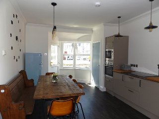 Contemporary Apt with a Retro Twist & Sea Views in Porthcawl Town Centre - Porthcawl vacation rentals