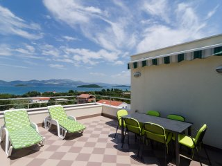 Apartments Gusti - Two-Bedroom Apartment with Balcony and Sea View - Drace vacation rentals