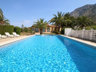 Nice 3 bedroom Denia Villa with Private Outdoor Pool - Denia vacation rentals