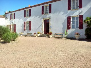 Cozy house with furnished terrace - La Boissiere-des-Landes vacation rentals
