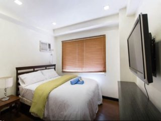 W Tower 1BR Loft Condo, Premiere Location BGC 1405 - Taguig City vacation rentals
