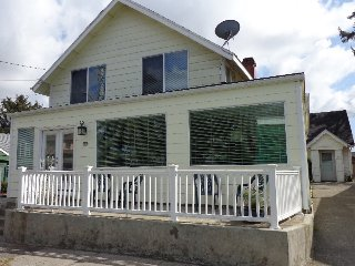 Comfortable House with Internet Access and Microwave - Seaside vacation rentals