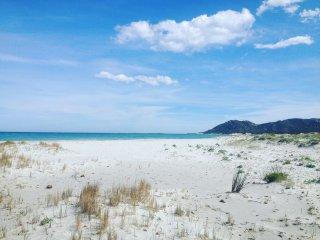 In spiaggia a piedi, appartamento a soli 100 metri - Capo Comino vacation rentals