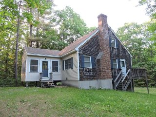 Adorable Suissevale on Winnipesaukee Home for 6! - Moultonborough vacation rentals