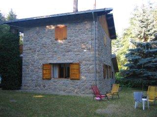 Villa contornata da ampio giardino - Fanano vacation rentals