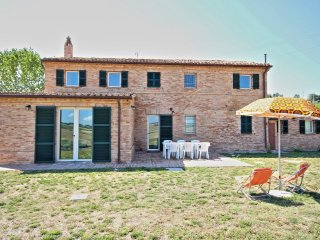 Bright 4 bedroom Villa in Orciano di Pesaro with Internet Access - Orciano di Pesaro vacation rentals