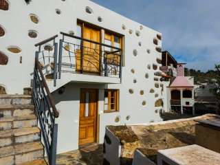 2 bedroom House with Internet Access in El Pinar - El Pinar vacation rentals