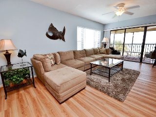 Arie Dam 201 - Spacious Gulf Front Corner Condo with Exceptional Views! - Madeira Beach vacation rentals