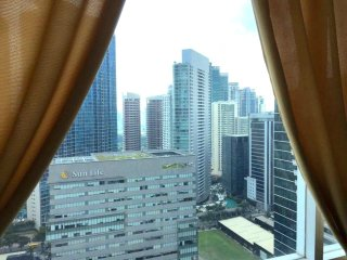 1BR High Atop BGCFort Breathtaking View Cable+WiFi - Taguig City vacation rentals