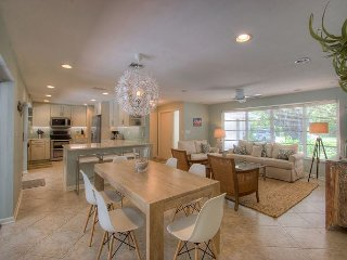 Island Dreams: Beautifully Remodeled West Gulf Drive Pool Home & Beach Oasis! - Sanibel Island vacation rentals