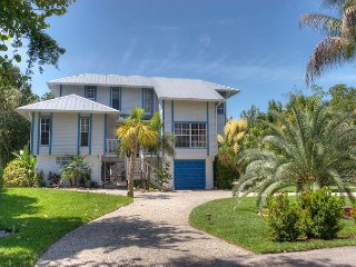 Pineapple Palms: Spectacular EastEnd Home Recent Outdoor Remodel Private Dock - Sanibel Island vacation rentals