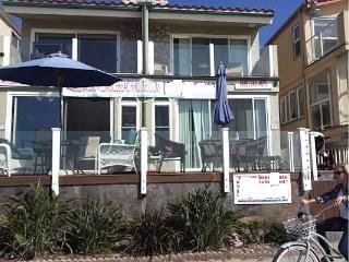 Duplex, 3 Stories, Front View (minor changes in furnishings possible due to ongoing wear and tear) - Awesome Beach House I - Pacific Beach - rentals