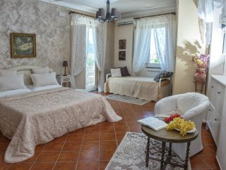 Villa Concetta - in Sorrento centre, with FREE parking, pool, Wi-Fi, garden - Sorrento vacation rentals