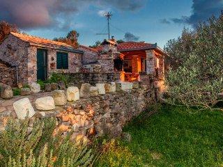 Nice 3 bedroom House in Vela Luka - Vela Luka vacation rentals