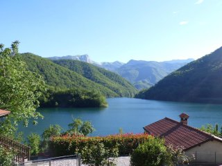 On the lake, mountain views, private pool, WIFI! - Careggine vacation rentals