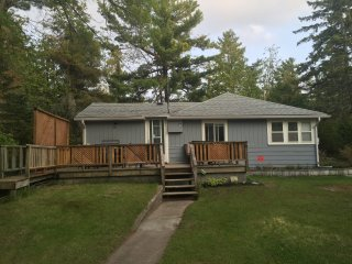 Quaint Cottage Retreat in New Wasaga Beach - Wasaga Beach vacation rentals