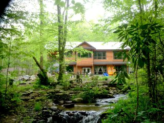 Poplar Creek Farm - Entire split level farmhouse - Green Mountain vacation rentals