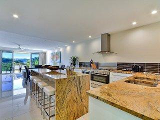 Superior Poinciana 011 on Hamilton Island - World vacation rentals