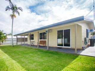 The Holiday Shack Scarness  Hervey Bay - Scarness vacation rentals