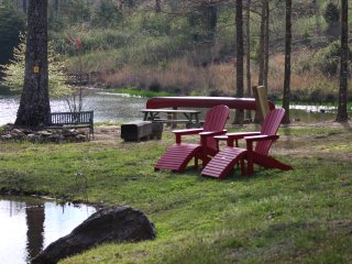 Mountain 2 Bedroom cottage on 30 Private acre estate - Sewanee vacation rentals
