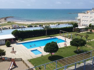 Wonderful Beachfront Apartment in a Resort - Cubelles vacation rentals